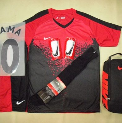 Setelan Kaos Futsal / Bola Nike Vineck Red Black